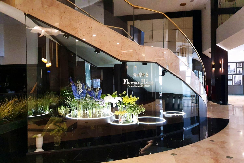 Delimitări cu  sticlă design  floral hotel  Marriott