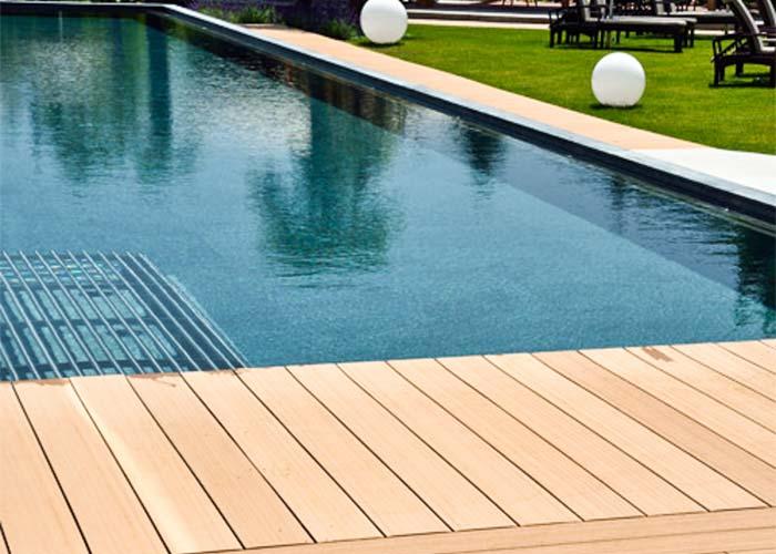 Deck piscina publica
